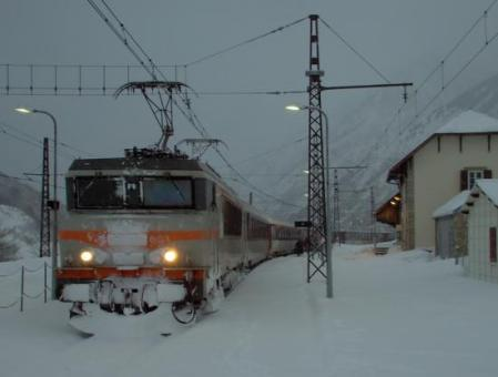 44253354locomotive-train-3971sous-la-neige-l-hospitalet-bb-7293-sncf-27-2-05-jpg